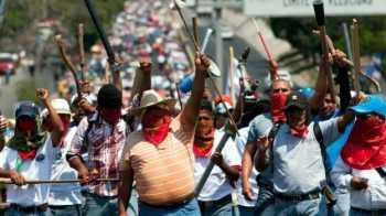 140929191010_mexico_guerrero_maestros_protesta_624x351