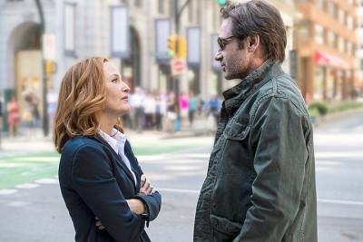 Scully y Hank Moody (ups, perdón... Mulder)