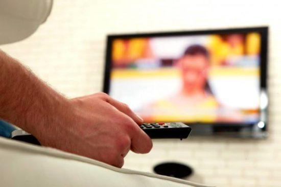 man-watching-tv-640x426